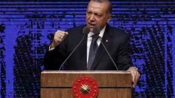 Erdogan vyzval Turkov na bojkot americkej elektroniky