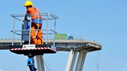 Správcu zrúteného mosta chcú potrestať, v regióne je výnimočný stav
