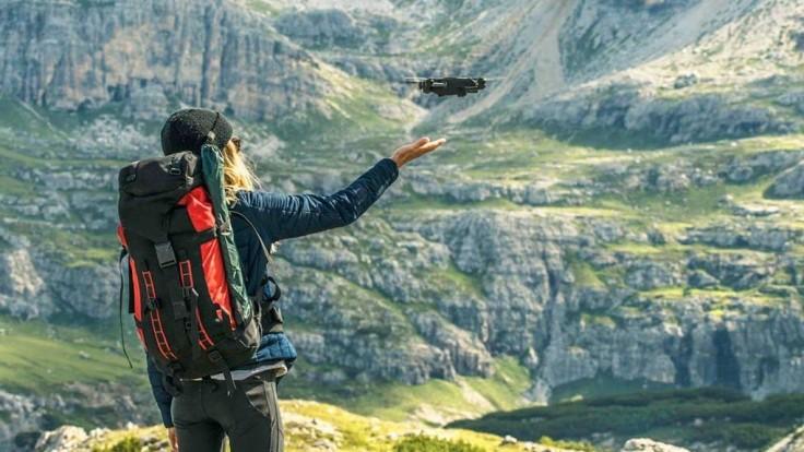 Mimoriadne prenosný dron Mantis Q môžete ovládať svojim hlasom