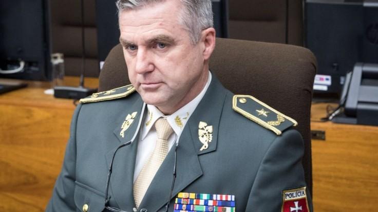 Bývalý šéf polície Gašpar nebude radiť iba ministerke Sakovej
