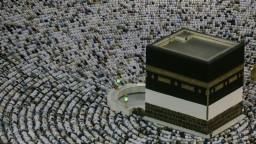Mekka praská vo švíkoch, pre veriacich sa začala púť hadždž