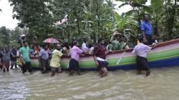 India bojuje s následkami ničivých záplav, o život prišli stovky ľudí