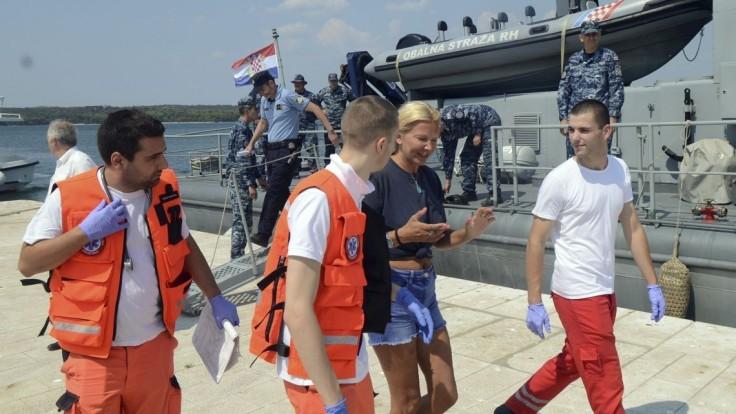 Žena prezradila, ako dokázala prežiť hodiny po páde z lode