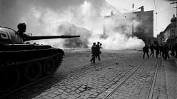 Tanky v Bratislave. Pozrite si unikátne fotografie Ladislava Bielika