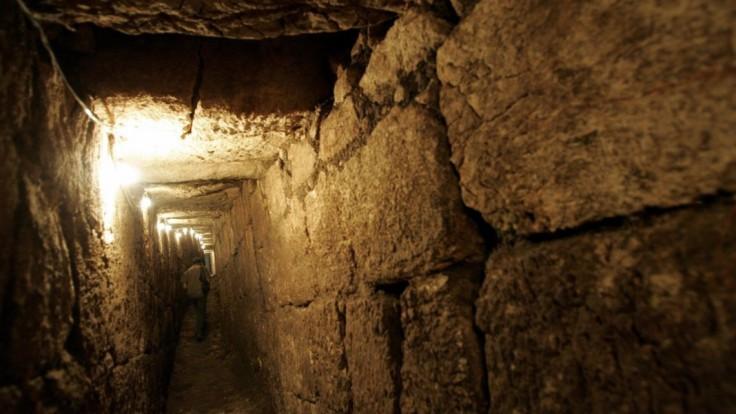 Žiadala muža o pivnicu, vyhĺbil neuveriteľný podzemný labyrint