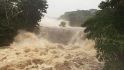 Havaj zasiahol hurikán Lane, spôsobil mohutné záplavy
