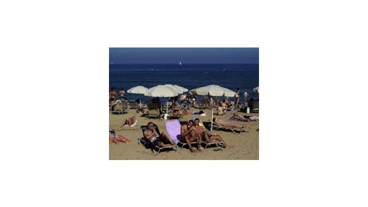 Krízou zasiahnutí Európania rušia plány na letnú dovolenku