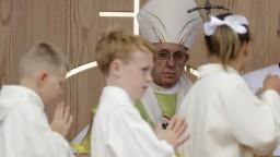 Pápež o zneužívaní vedel, tvrdí bývalý veľvyslanec. Žiada abdikáciu