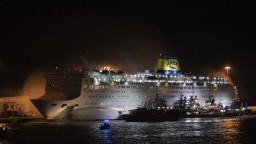 Na palube trajektu vypukol požiar, prevážal vyše tisíc ľudí