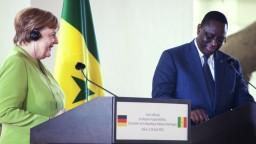 Merkelová rokuje v Afrike, s lídrami chce hovoriť o migrácii