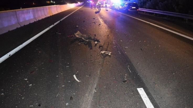 Zverejnili fotografie z hromadnej nehody na D1. Hľadajú sa svedkovia