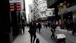 Argentína bojuje s infláciou, peso je na historickom minime