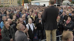 Do Chemnitzu pricestovali politici, obavy z výtržností sa nenaplnili
