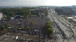 Koncert proti rasizmu prilákal v Chemnitzi desaťtisíce