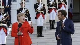 Macron a Merkelová sa v migrácii zhodujú, chcú užšiu spoluprácu