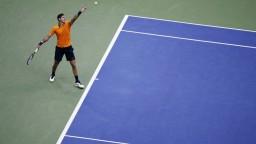 Prvým finalistom mužskej dvojhry je Del Potro, Nadal skrečoval