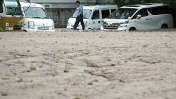 Počet obetí v Japonsku stúpol, dodávku elektriny však obnovili