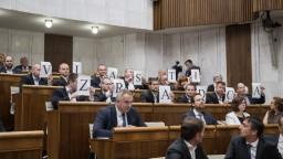 Poslanci rokovali o etickom kódexe, Remišová ho kritizuje