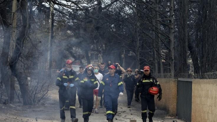 Tragický požiar neďaleko Atén si vyžiadal už takmer stovku obetí