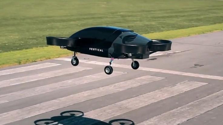 V Británii sa do vzduchu vzniesol elektrický lietajúci taxík