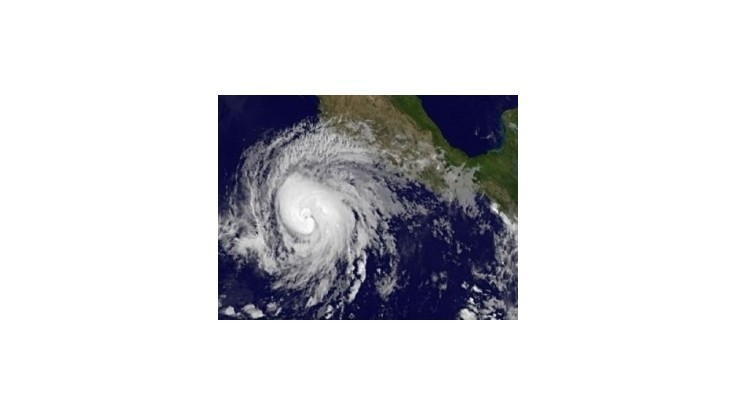Juhovýchodné pobrežie USA zasiahla tropická búrka Beryl