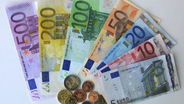 Slováci prerábajú. Po zohľadnení inflácie sa naše úspory znehodnocujú o takmer 2 %