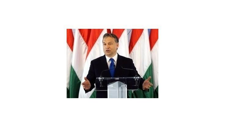 Orbánova hviezda v Maďarsku padá, stratil polovicu voličov