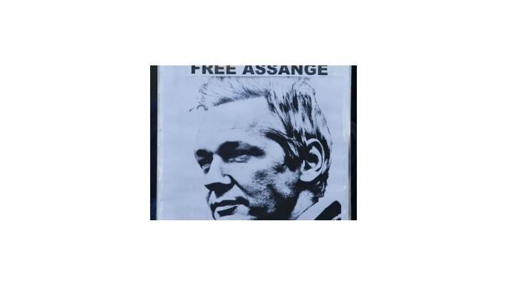Britský najvyšší súd rozhodol o vydaní Assangea do Švédska