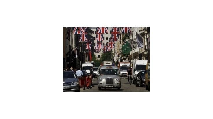 Oslavy 60. výročia vlády Alžbety II dnes pokračujú programom na Temži