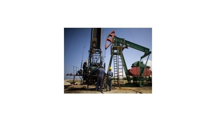 Ceny britskej ropy Brent sa prepadli na 16-mesačné minimum
