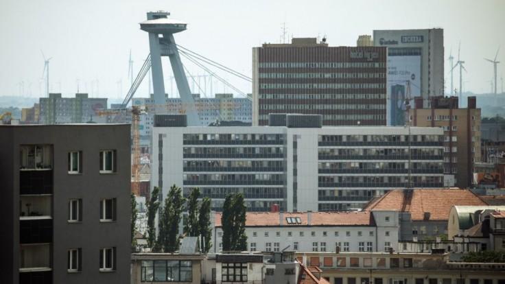 Súboj o Bratislavu je ostrý. Pozrite si, kto bol prvým mužom mesta