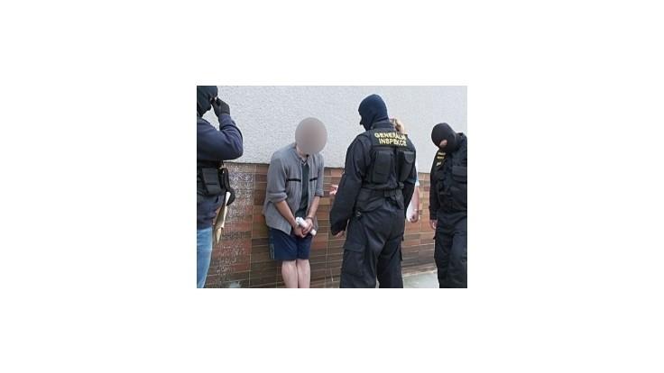 Z väznice unikli Rathove fotografie, zadržali jeho strážcov