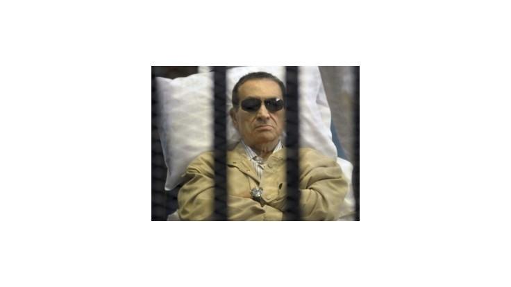 Exprezident Mubarak sa obáva, že ho chcú lekári zabiť