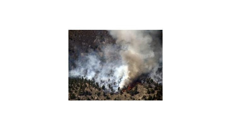 Západné štáty USA zápasia s obrovskými požiarmi