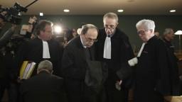Kardinál, ktorý mal kryť pedofilného kňaza, sa postavil pred súd