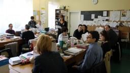 Vláda schválila zákon o pedagógoch, má zmeniť kreditový systém