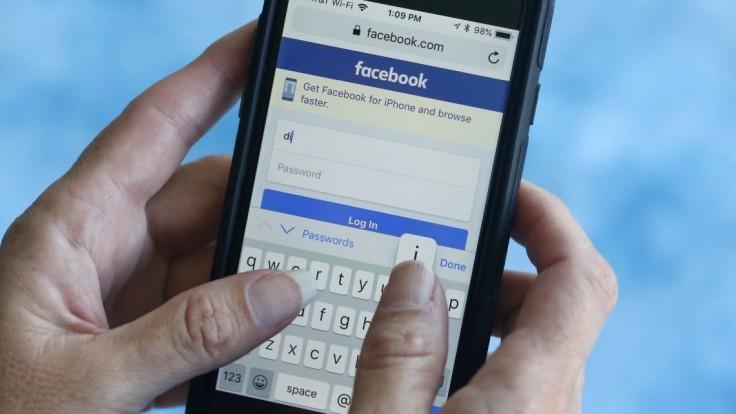 Zrušili stovky proruských facebookových účtov z nášho regiónu
