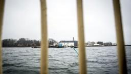 V Dánsku platí kontroverzný zákon, migrantom zhabali už tisícky eur