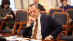 Procházka čelil výboru, spomenul aj trpký koniec v politike