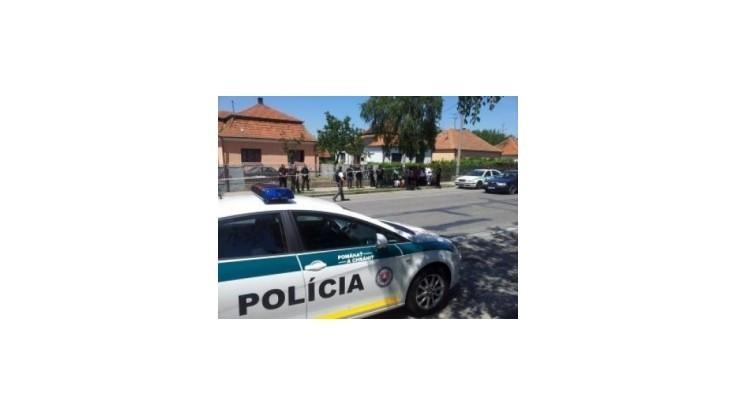 Policajti zadržali strelca, ktorý zastrelil troch ľudí