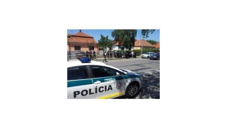 Vraždiaceho policajta z Hurbanova obvinili z troch činov