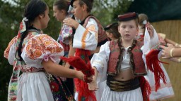Vláda podporí tradície. Na slovenský folklór pôjde vyše milióna eur