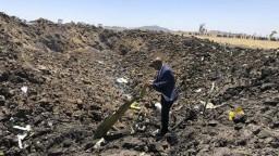 Pri páde lietadla zahynuli žena, dcéra a syn Antona Hrnka