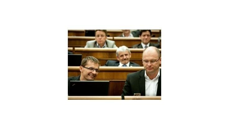 Opozícia chce voliť šéfa NKÚ, vyzýva Pašku na vypísanie termínu