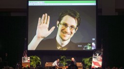 Snowdena ukrývala vo svojom byte. Žene s dcérou udelili azyl