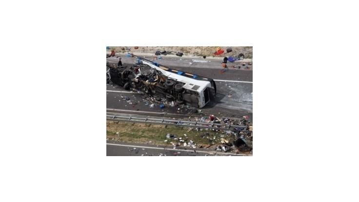 V Chorvátsku zostáva päť českých turistiek zranených pri nehode autobusu
