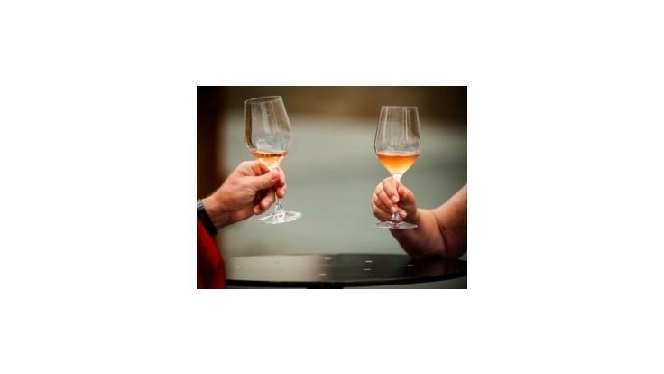 V Iráne popravia dvoch ľudí, pretože pili alkohol