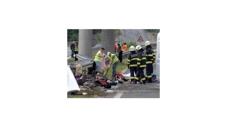 Identifikovali už všetky obete havárie českého autobusu