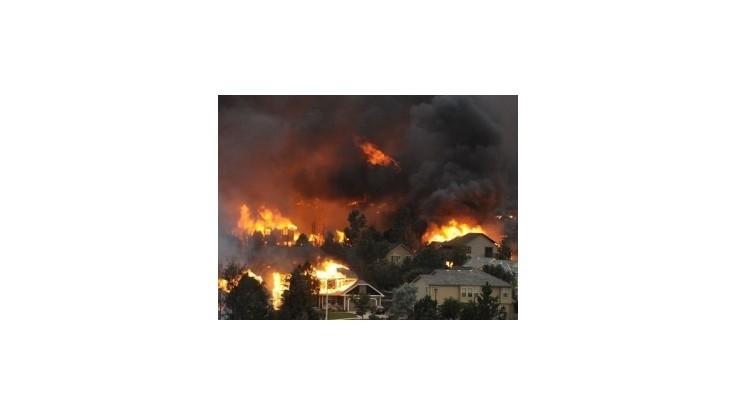 Pred požiarom v Colorade evakuovali vyše 36 000 ľudí