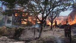 Požiar v Ružinove si vyžiadal aj mŕtveho, zasiahli desiatky hasičov